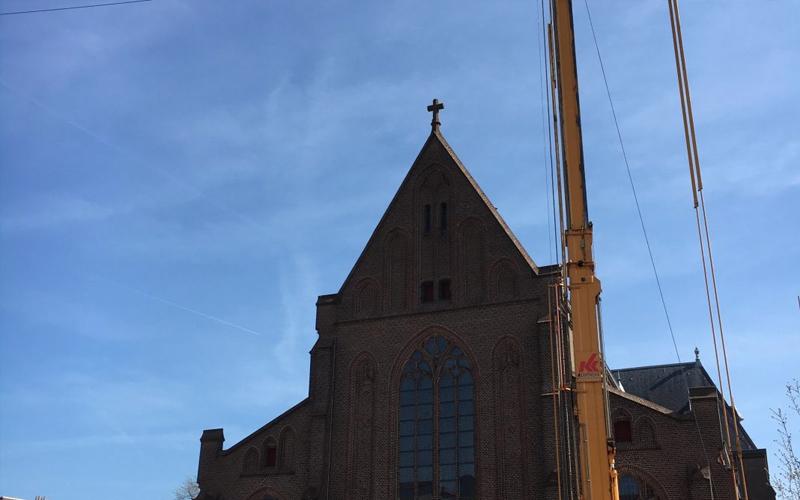 Linthorst Bouwgroep | Herstel luiken Kerkgebouw | Apeldoorn